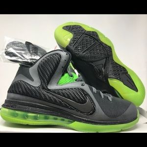 Men's size 10 new with box lebron 9 dunkman